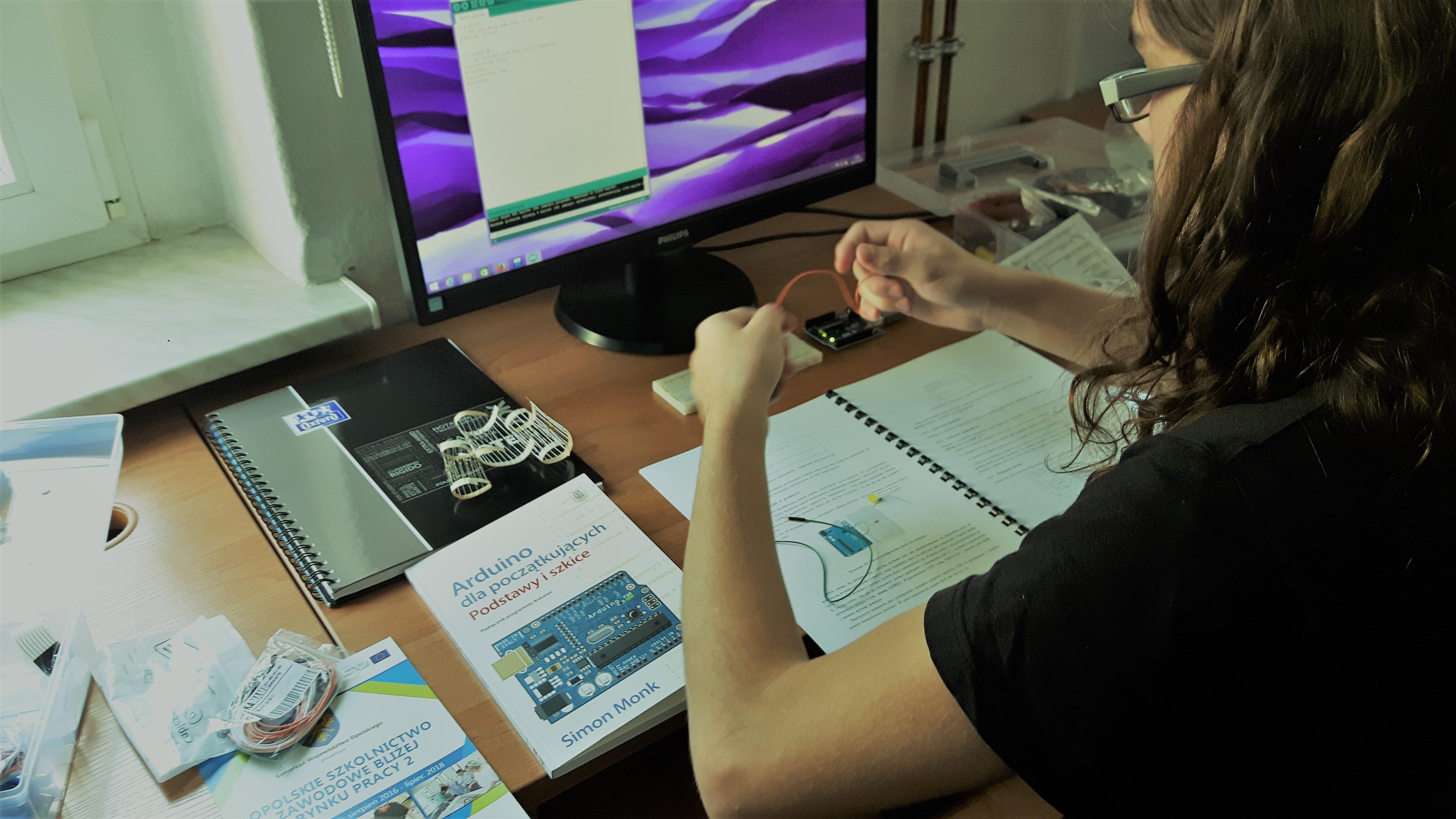 Zajęcia z Programowania z wykorzystaniem układów ARDUINO UNO